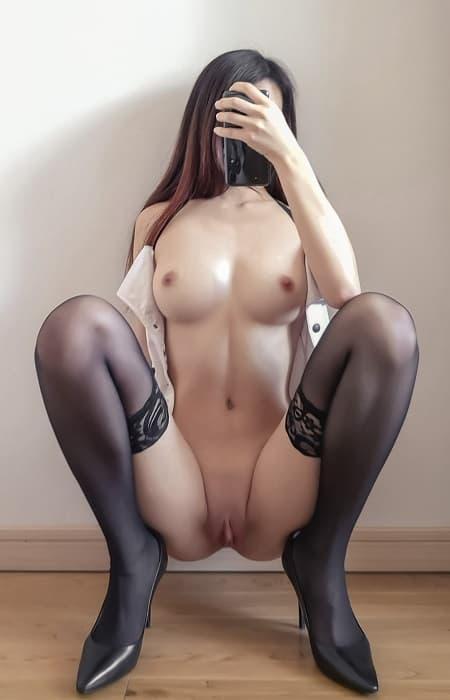 Body chuẩn dâm: lồn múp, chân dài, vú to tròn, mông căng