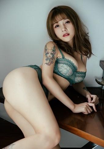 BoLoli: Vẻ đẹp chết người của thiên thần Xia Mei Jiang